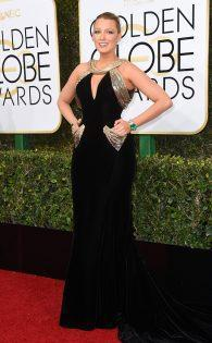 rs_634x1024-170108175919-634-blake-lively-golden-globe-awards-2