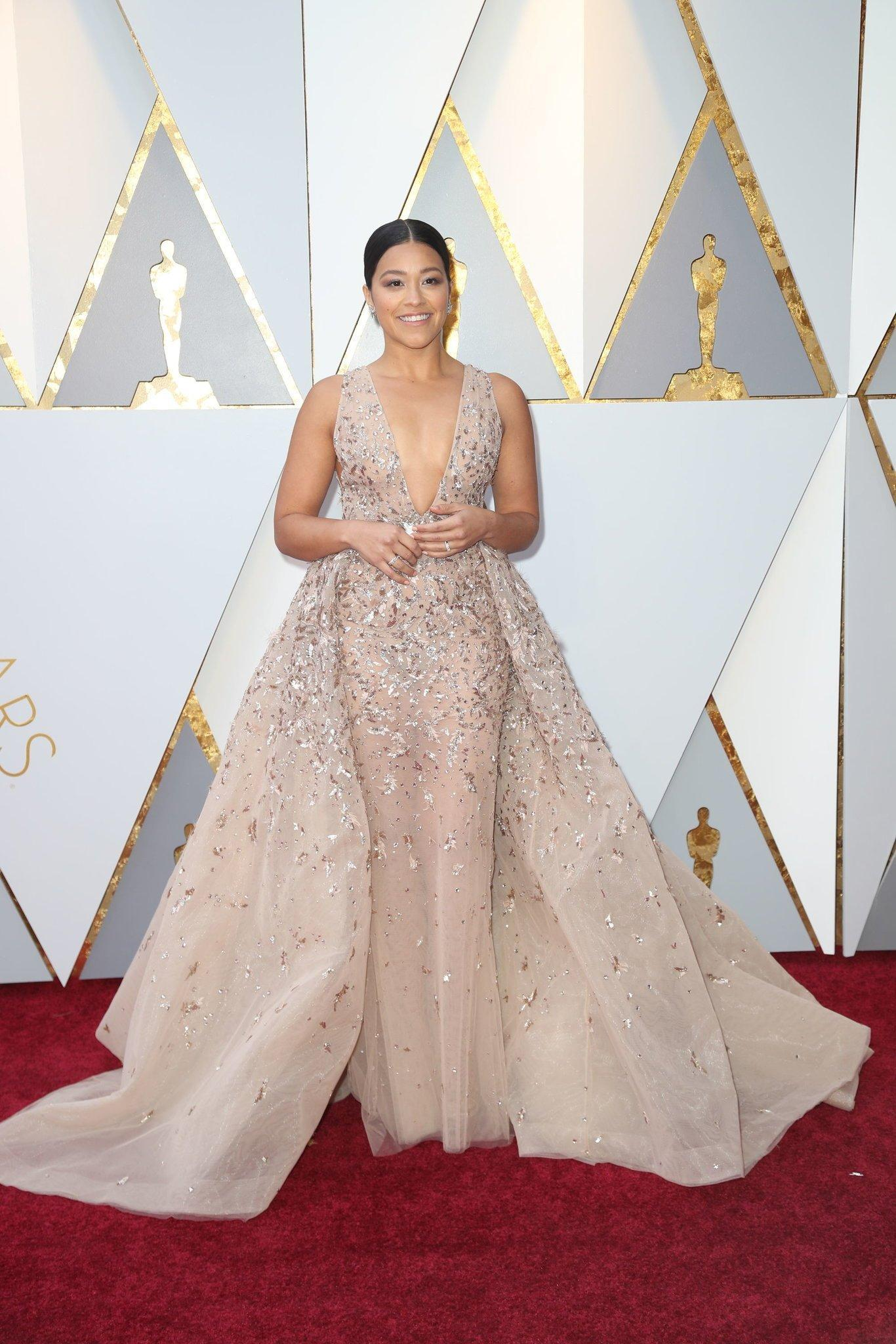 oscars-red-carpet-1792-gina-rodriguez-superJumbo